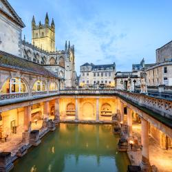 Bath 6 hotels with pools