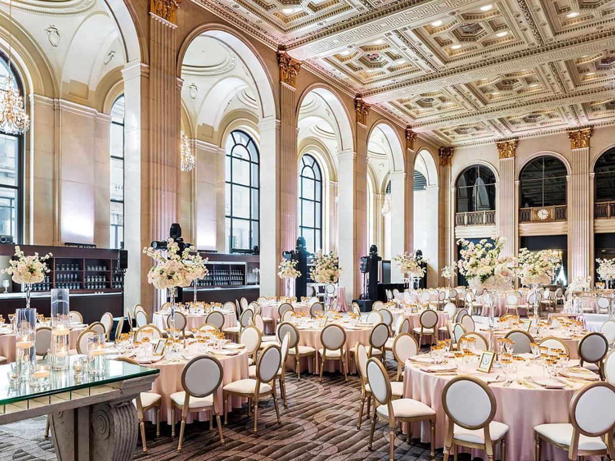 5442 echte Hotelbewertungen für One King West Hotel and | Booking.com