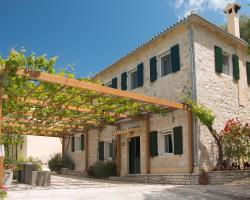 Castelli Cottage