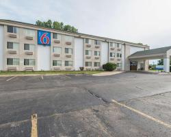 Motel 6 Lawrence