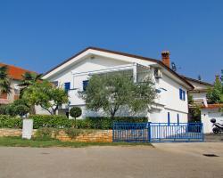 Two-Bedroom Apartment Novigrad near Sea 12
