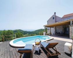 Three-Bedroom Holiday home with Sea View in Babino Polje