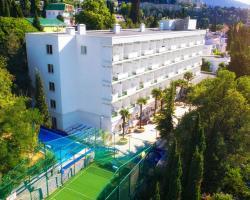 Tourist Complex Yalta Kruglyy God