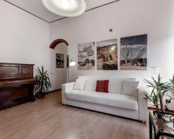 Happy & Beautiful Flat in Milan