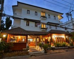 Sripat Guesthouse