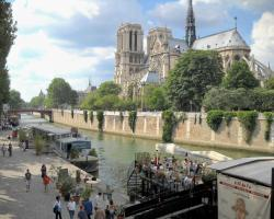 Latin Quarter - Notre Dame apartment