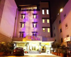 Hotel Rupam Kingston Park