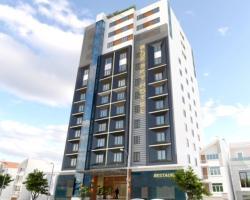 Blue Sky Ha Long Hotel