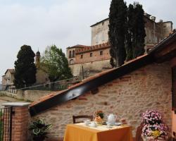 All'Ombra del Castello
