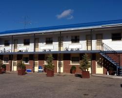 Auberge du Village Shawville Motel