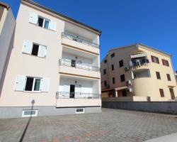 Apartments Elida
