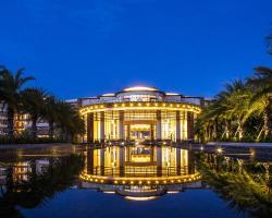 Sanya Yazhou Bay Resort,Curio Collection by Hilton