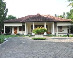 Villa Bugis Kalibaru