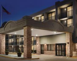 Country Inn & Suites by Radisson, Erlanger, KY - Cincinnati Airport
