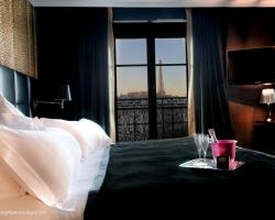 First Hotel Paris Tour Eiffel