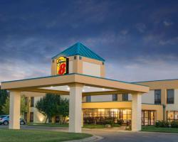 Super 8 by Wyndham Wichita South