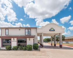 Days Inn by Wyndham Bryan College Station