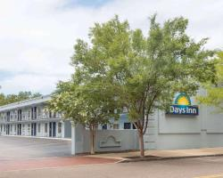 Days Inn by Wyndham Charleston Historic District
