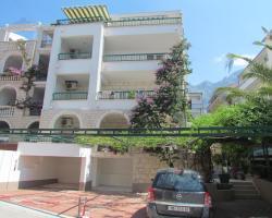 Apartments Tonka Makarska