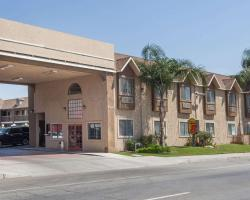 Super 8 by Wyndham Bakersfield South CA