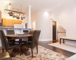 2142 West Walton Apartment