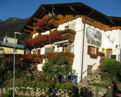 Haus Bergheimat - Familie Oberacher