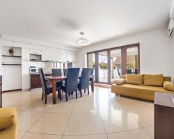 Apartamenty Sun & Snow Casa Al Mare