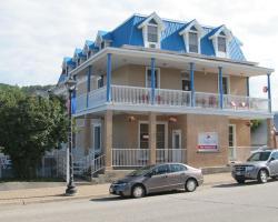 Le Voyageur Inn