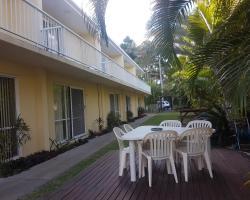 Bayshores Holiday Apartments