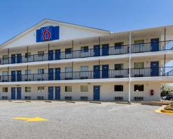 Motel 6 Greenville, SC
