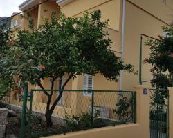 Apartments Viganj