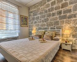 Apartment Charming Mediterranean Split
