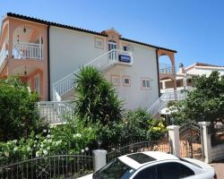 Apartments Majić