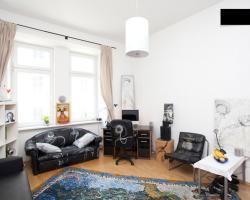 Designer Apartment In City Centre