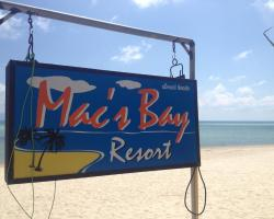 Mac's Bay Resort