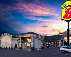 Super 8 by Wyndham Oklahoma Airport Fairgrounds West
