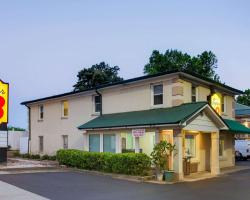 Super 8 by Wyndham Charlotte Downtown Area