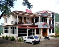 Sapphire Inn