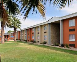 Rodeway Inn and Suites Austin