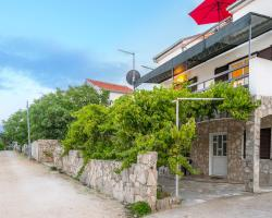 Silver Beach Apartments Vis