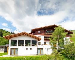 Hotel Cuntera