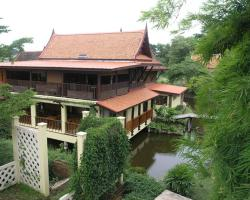 Luang Chumni Village