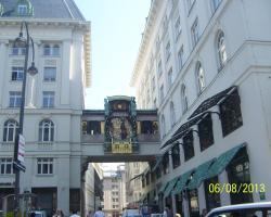 Vienna City Apartment 1