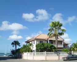 Le Chateau Ocean Villas
