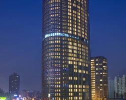 Sheraton Grand Shanghai Pudong Hotel & Residences