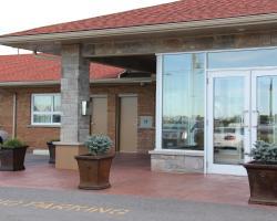 Regency Athletic Resort / Bar & Grill