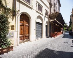 RF Spanish Steps Apartments