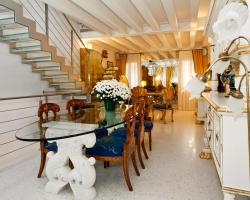 Casa Fortuny Luxury Apartment