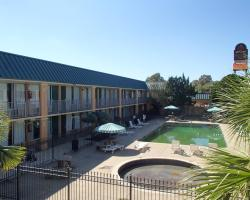 Bossier Inn and Suites