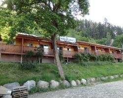 Mermaid Lodge and Motel